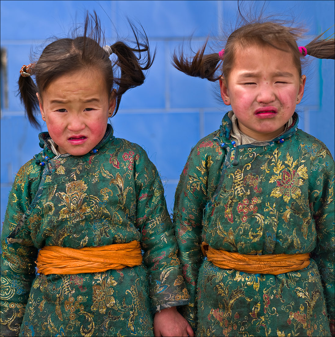 Twins, Mongolia, portrait