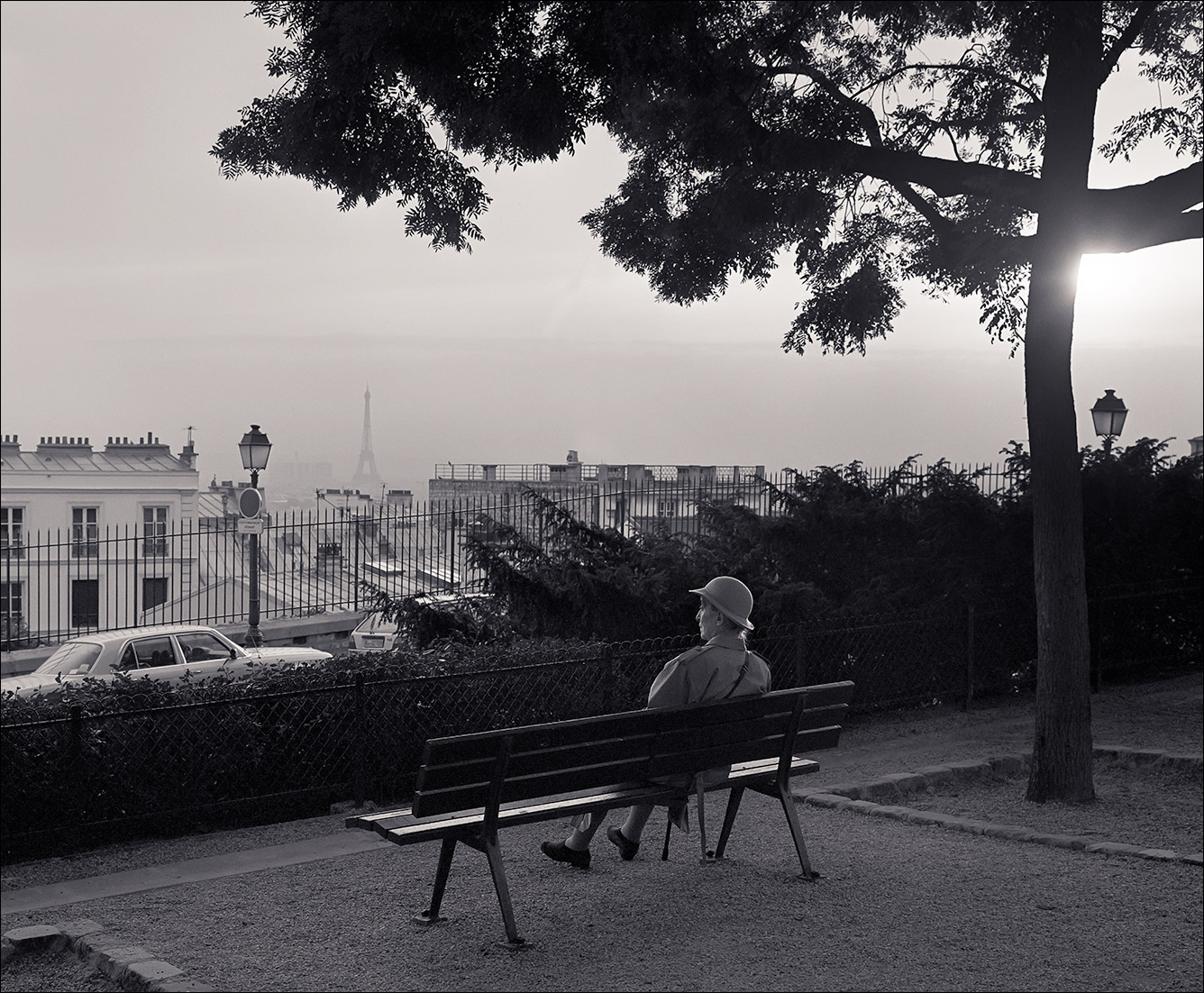paris_bench_woman_B