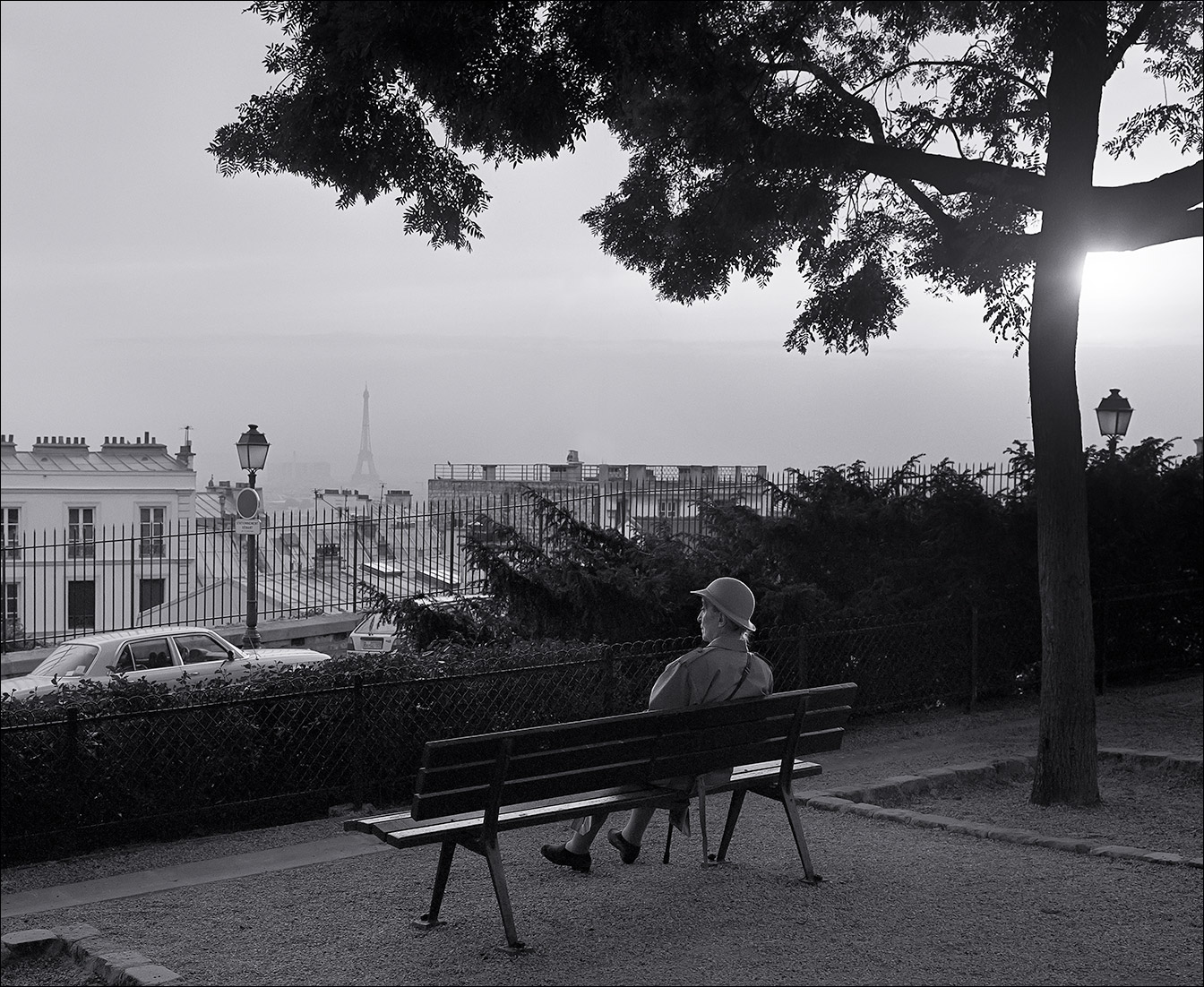 paris_bench_woman_C_2