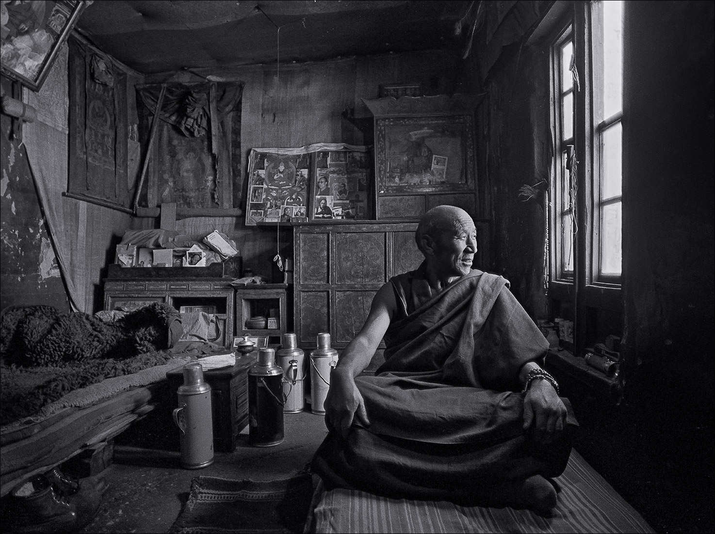 tibet_monk_sitting-Edit_B
